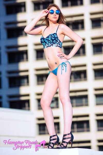 natalie-vabeach-sexy-stripper-4